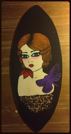 surf-rousse-girl