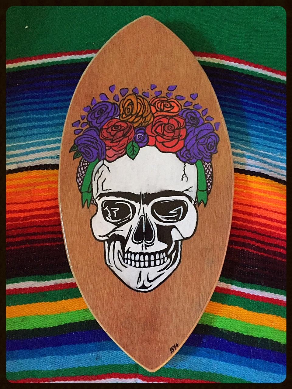 minis surf frida skull